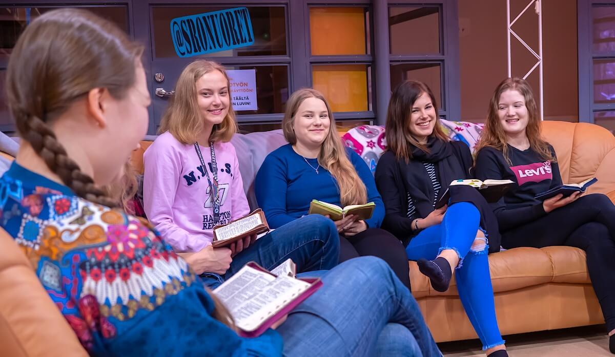Raamatun peruskurssin 2020 opiskelijoita